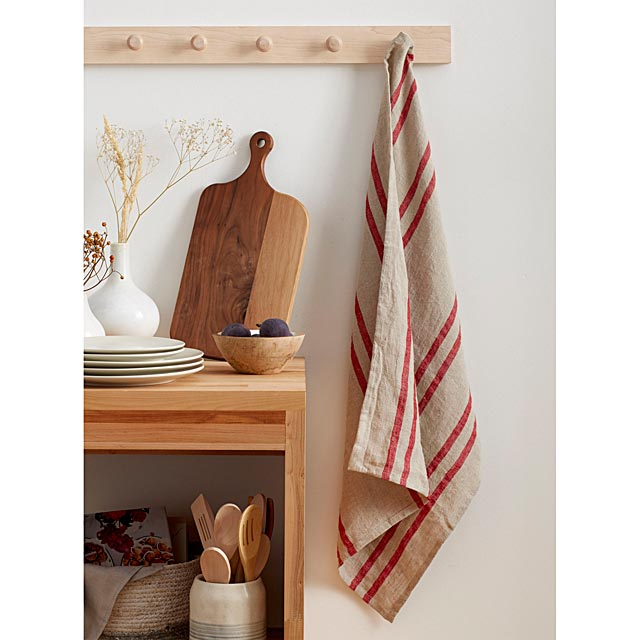 striped-linen-towel