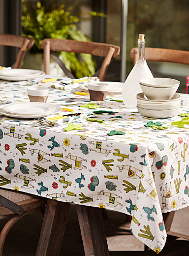 Desert llamas tablecloth