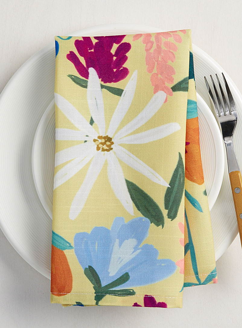 painted-flower-napkin