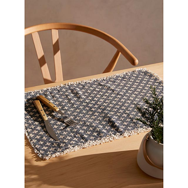 indigo-cross-placemat