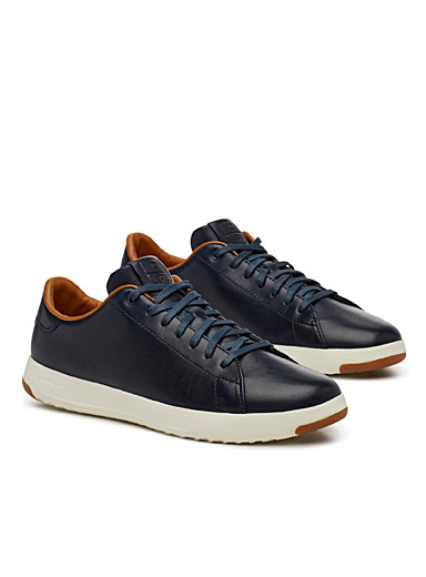 GrandPro Tennis navy sneakers