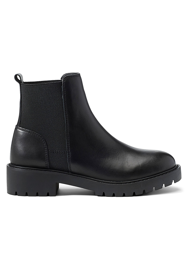 Steve Madden Black Gliding Chelsea boots for women