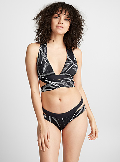 Graphic foliage multi-style triangle top