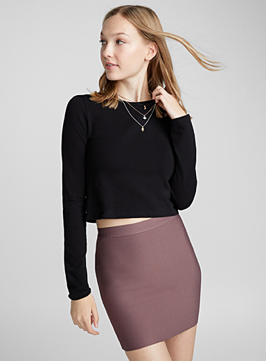 Ultra stretch fitted skirt