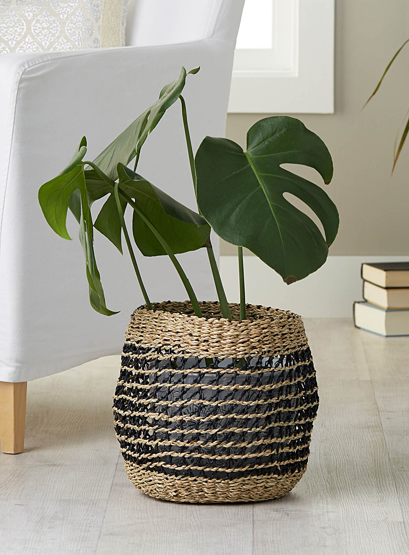 two-tone-seagrass-basket