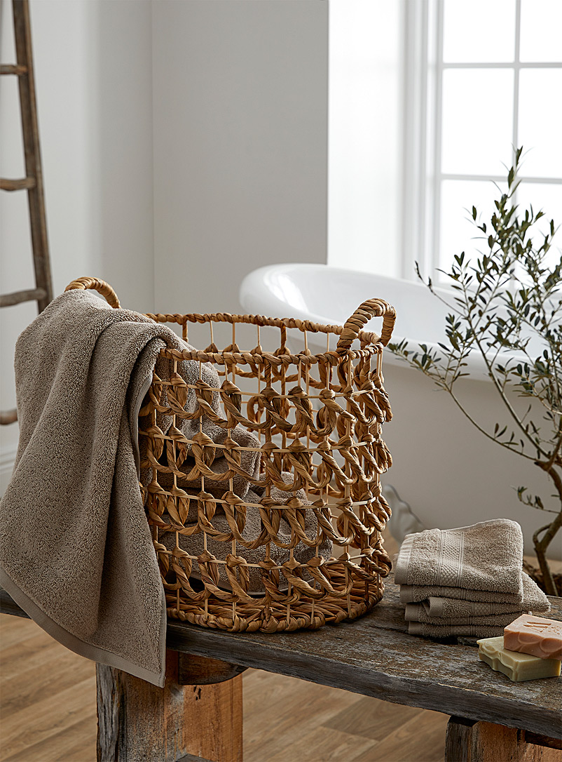 Rustic twists basket
