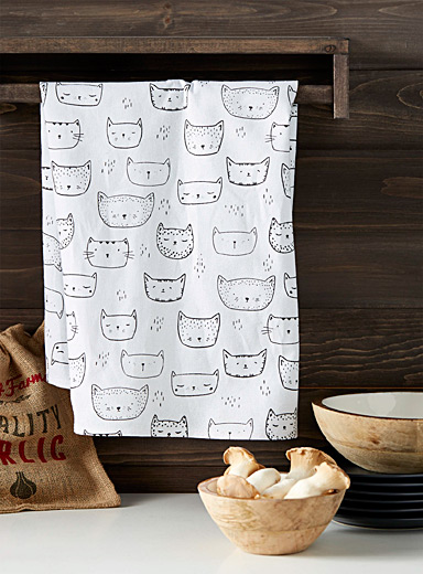 Purring kittens tea towel