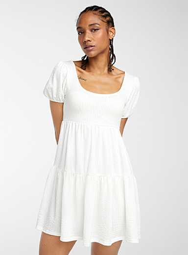 Open-back ruffled dress