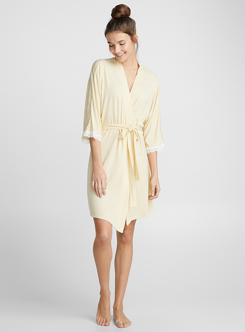 Scalloped lace robe - Bathrobes - Light Yellow