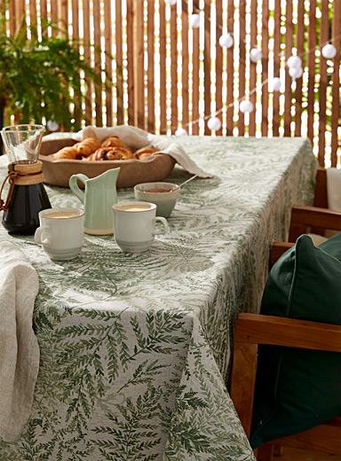 High ferns coated tablecloth