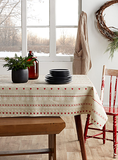 Festive heart coated tablecloth