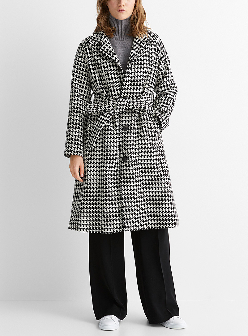 Ami Patterned Black Macro houndstooth belted coat for women