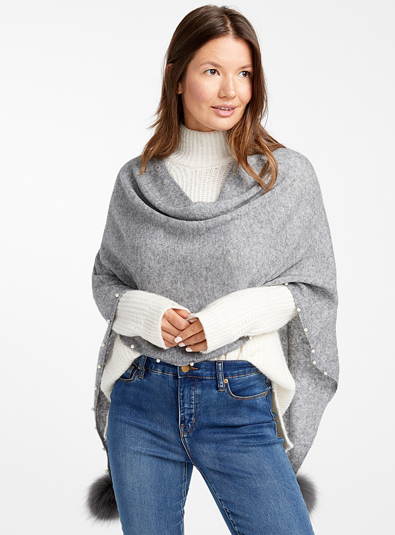 Cashmere and pompom poncho - Capes & Ponchos - Silver