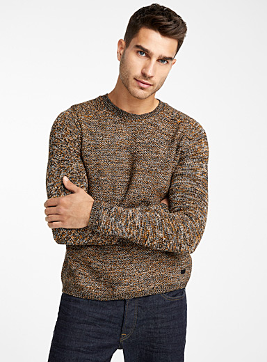 Le pull tricot chiné