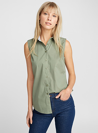 Solid sleeveless shirt