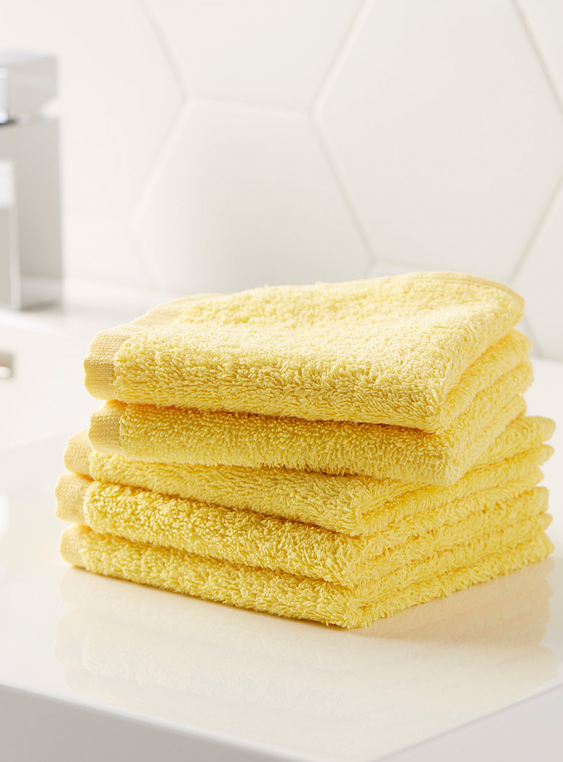 Extra-value colour facecloths  Set of 5 - Solid - Light Yellow