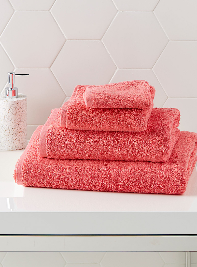 Extra-value colour towels - Daily Use - Light Red