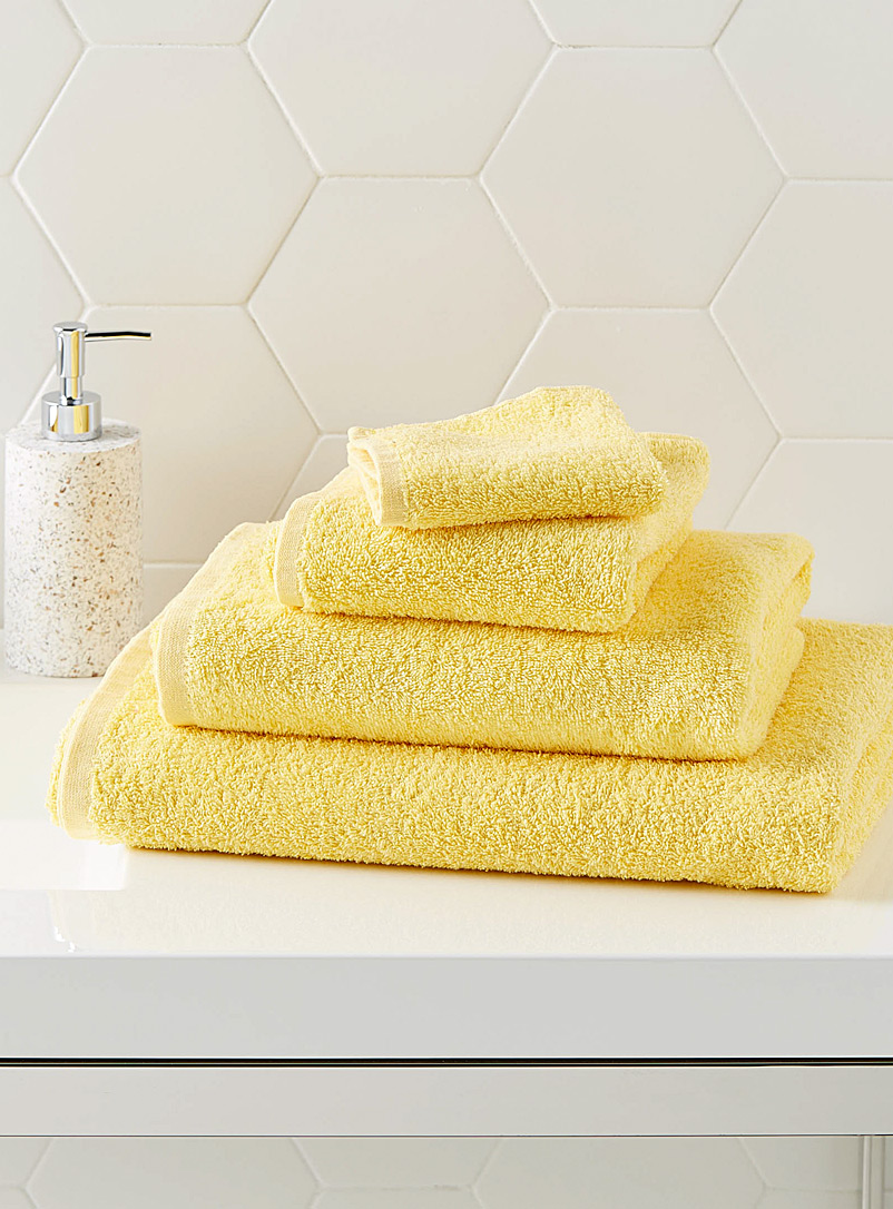 Extra-value colour towels - Daily Use - Light Yellow