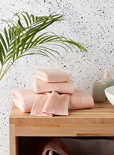 Simons Maison Pink Grand hotel towels