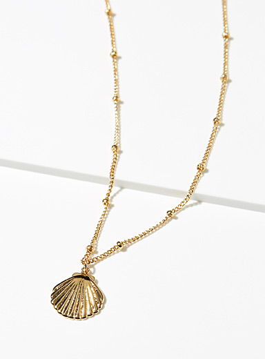 Seashell chain necklace