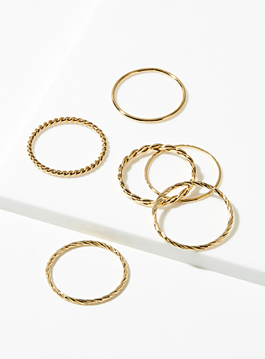 Gold textured rings <br>Set of 6