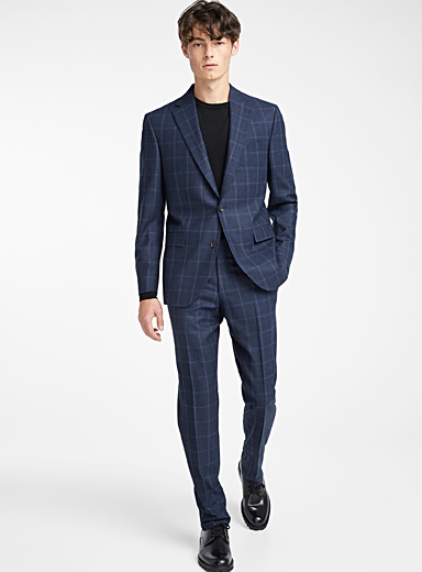Blue-toned check suit <br>Regular fit