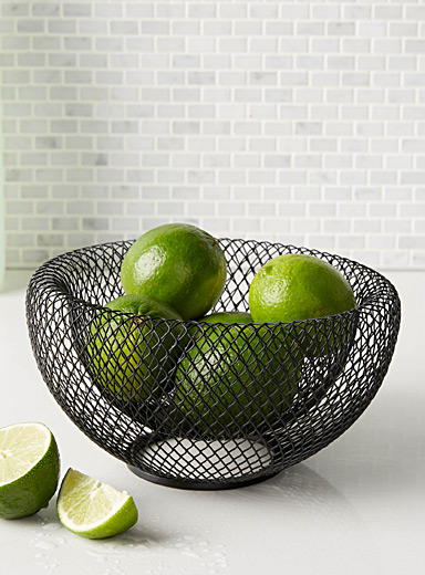 Small modern wire mesh fruit bowl