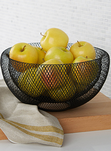Modern wire mesh fruit bowl