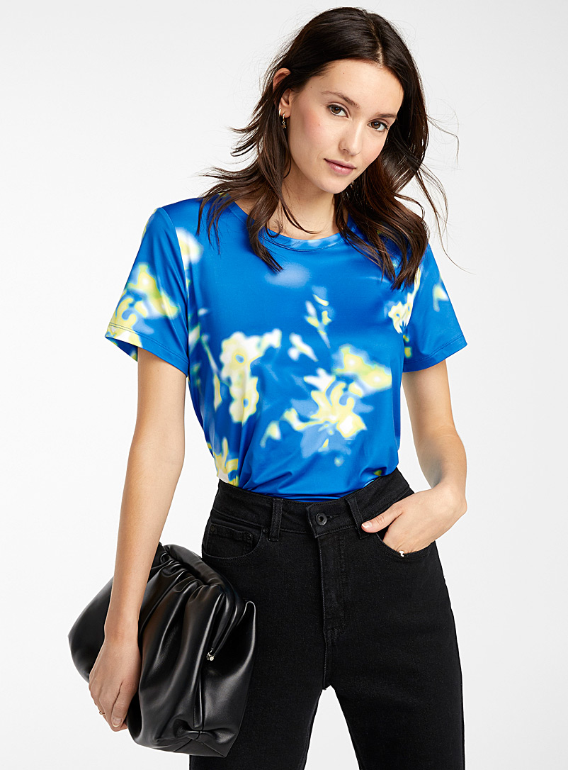 Icône Patterned Blue Silky patterned T-shirt for women