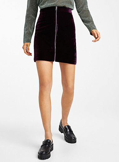 Zipped velvet skirt