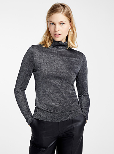 Shimmery turtleneck