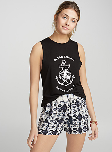 Printed sleeveless tee