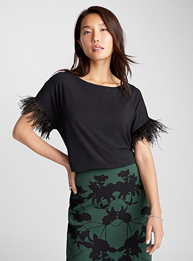Le tee-shirt manches plumes