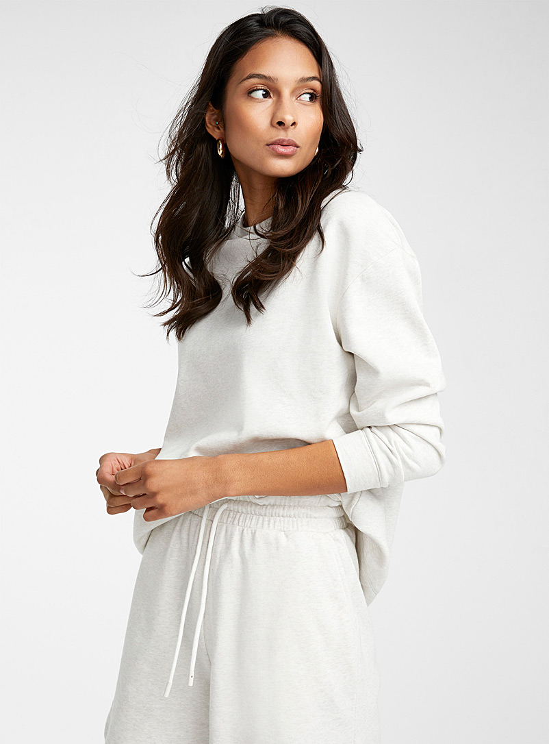 Light drop-shoulder sweatshirt