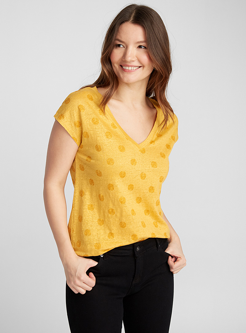 Printed V-neck linen tee - Short Sleeves & ¾ Sleeves - Golden Yellow