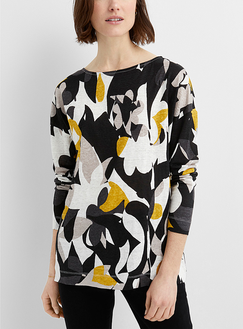 Contemporaine Patterned Black Loose printed linen tee for women