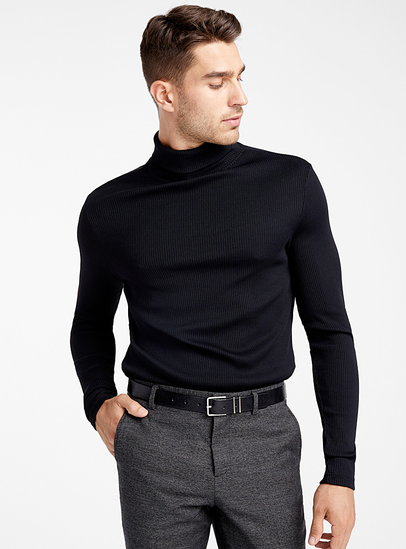modern-ribbed-turtleneck