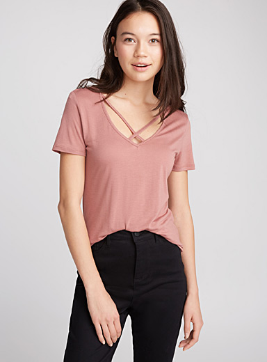 Crossed neck tee