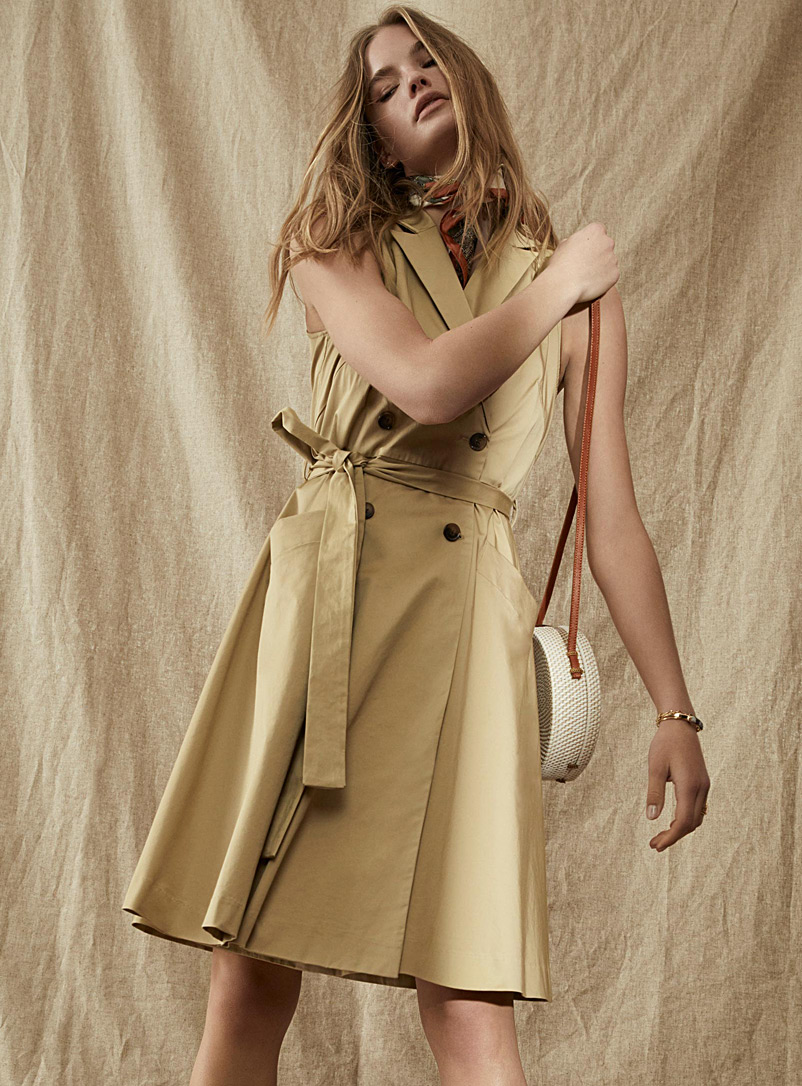 Sleeveless trench dress - Fit & Flare - Sand