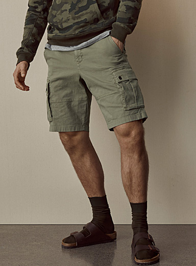 Le 31 Mossy Green Cargo pocket Bermudas for men