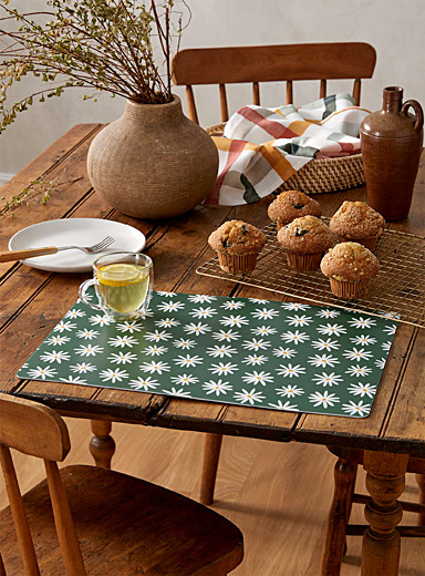 Field of daisies placemat