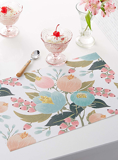 Spring bouquet braided vinyl placemat