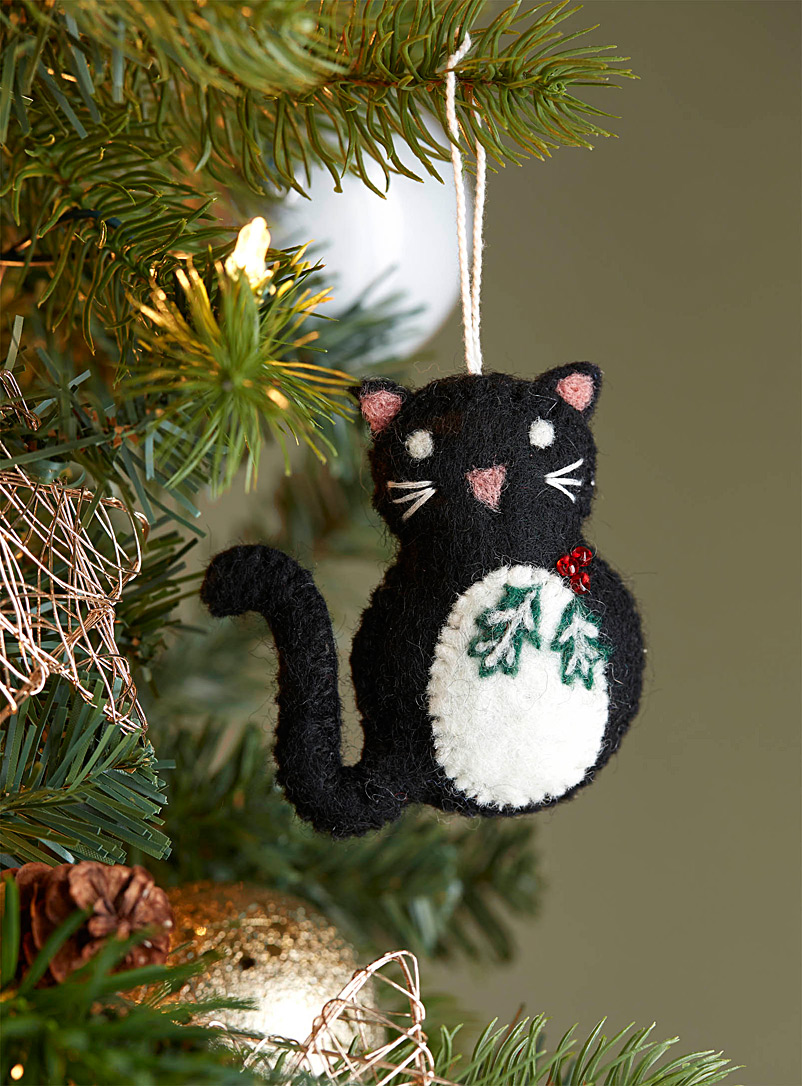 Simons Maison Black Holly leaf cat wool ornament