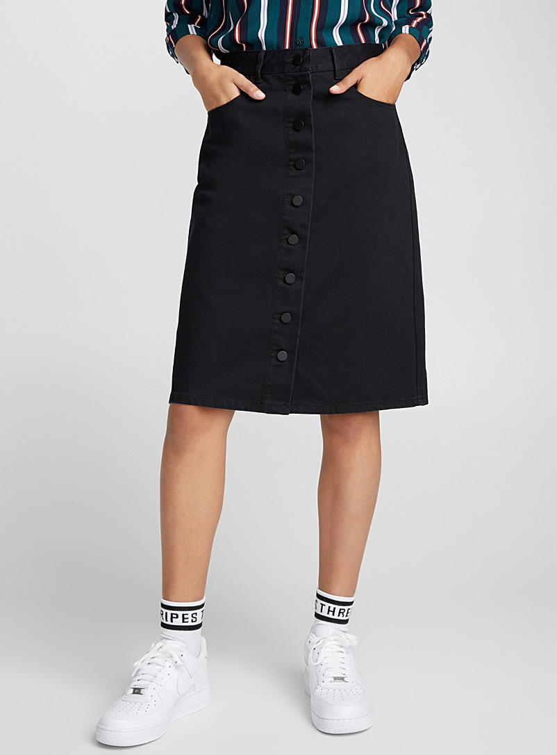 buttoned-denim-midi-skirt