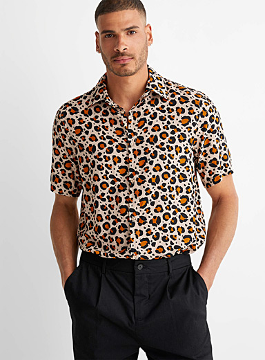 Fluid leopard shirt
