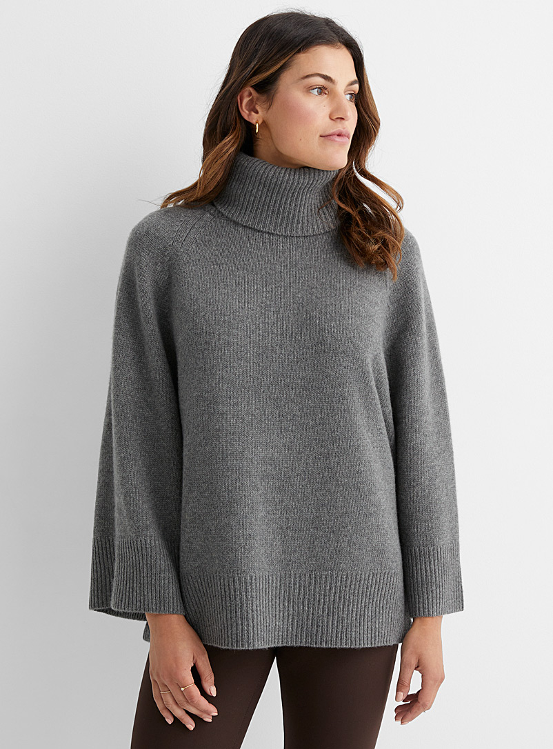 Theory Grey Wool and cashmere loose turtleneck for women