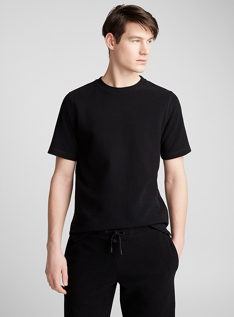 le-t-shirt-over