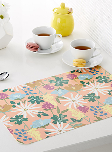 Painted flower place mat