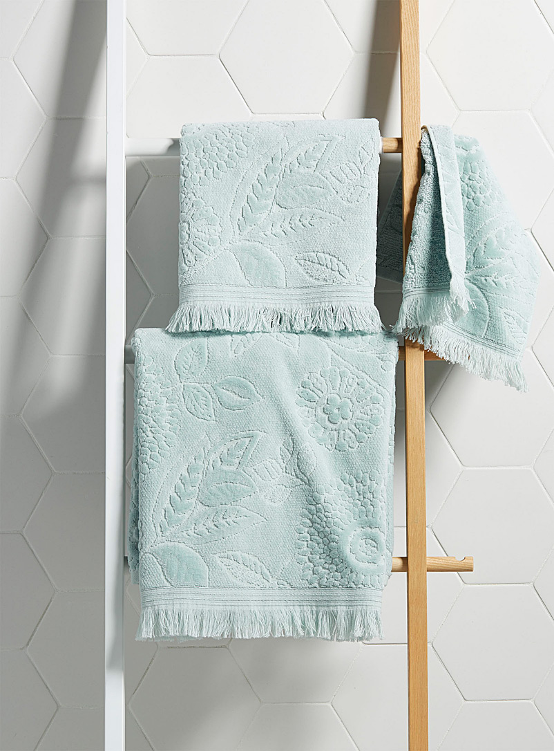 velvety-floral-towels