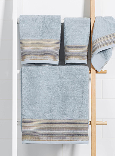 Wave border towels